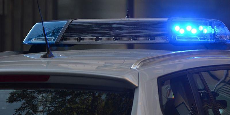 Betrunkener Fahrer verunfallt zwei Mal hintereinander und muss im Anschluss in das Gewahrsam