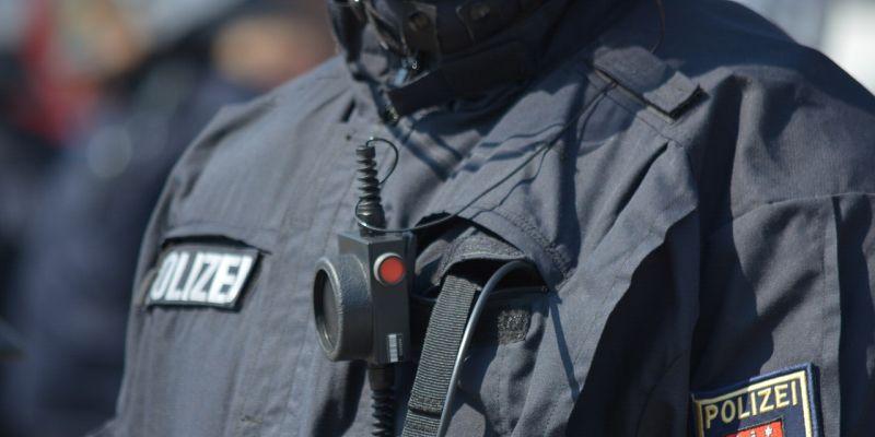 Nach Einsatz des Spezialeinsatzkommandos in Warburg: Im Wohnhaus angetroffene Familienmitglieder nach Vernehmung und Erkennungsdienstlicher Behandlung wieder entlassen worden