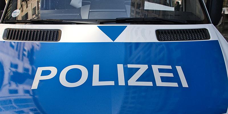 Landkreis Holzminden: Schwerer Diebstahl, Trunkenheitsfahrten, Körperverletzung und Sachbeschädigungen an mehreren Pkw über Feiertage