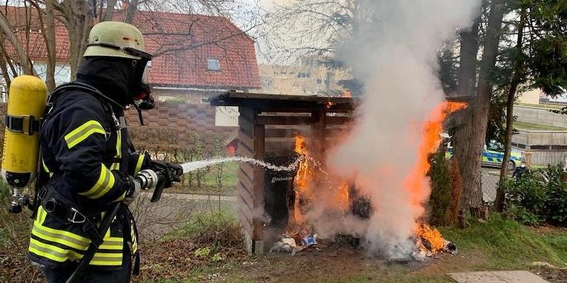Zwei Einsätze hintereinander halten die Feuerwehr Höxter in Atem