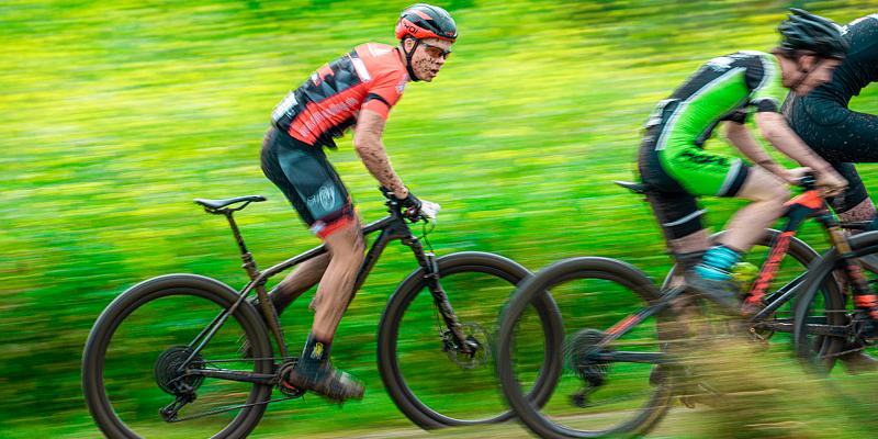 Micah Schmidt vom DDMC SOLLING fährt im Cross Country in die nationale Mountainbike Spitze