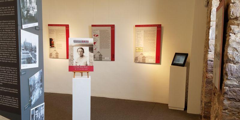 """""""Vorhang auf"""" zur Dauerausstellung: Video zu Paula Tobias und die Spanische Grippe im Kulturzentrum Weserrenaissance Schloss Bevern"""
