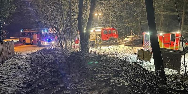 Notfallpatienten aus unwegsamen Gelände gerettet: einsatzreiches Wochenende für die Feuerwehr