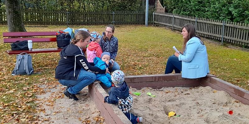 Familien-Cafe Kinderwagen geöffnet – neuer Standort in Neuhaus