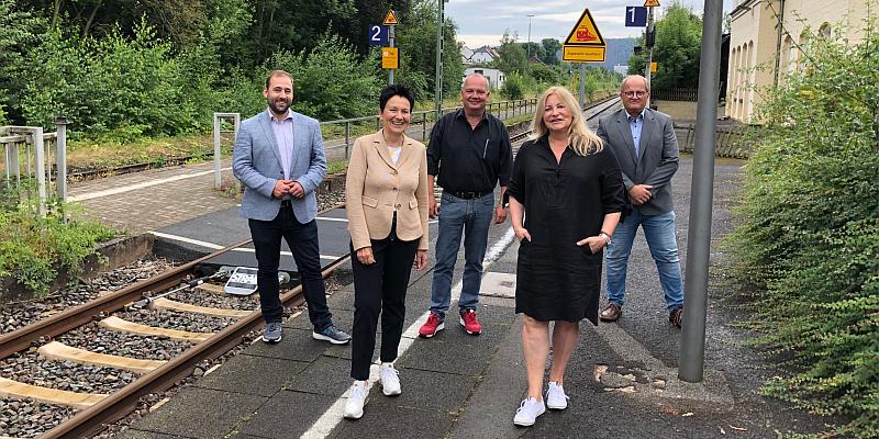 Deutsche Bahn mit Zusage für weiteren mobilitätsgerechten Bahnhofsausbau in Lauenförde