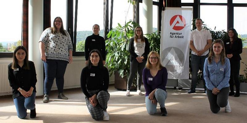 Agentur für Arbeit begrüßt neun Nachwuchskräfte