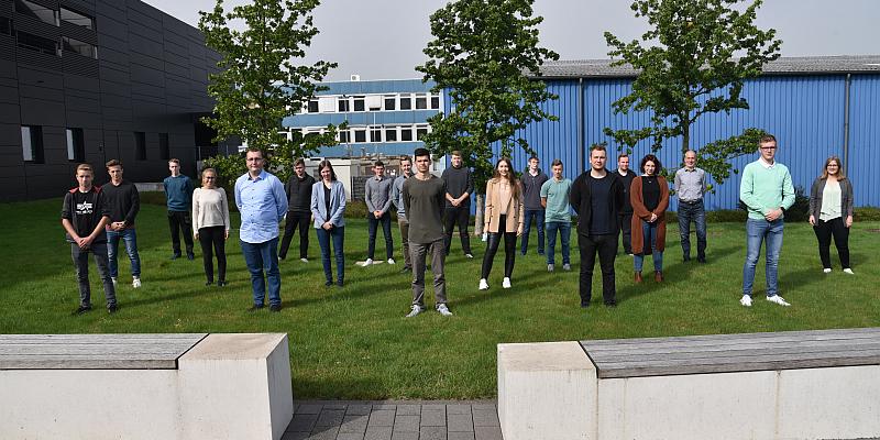 STIEBEL ELTRON sorgt für Fachkräftenachwuchs - 18 neue Auszubildende im Werk in Holzminden