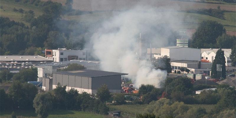 Schnelle Reaktion verhindert Brandausdehnung in einer Lagerhalle