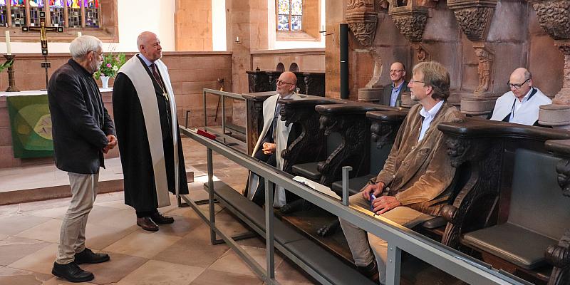Beheizbares Chorgestühl in Klosterkirche Amelungsborn - Modernisierung senkt Heizkosten um ein Vielfaches