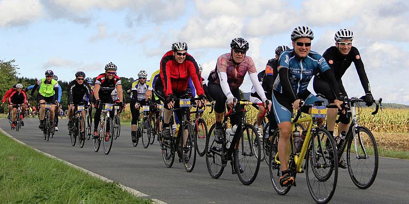 """Corona: """"Rund um den Solling"""" muss 2020 pausieren - Radsportler können sich trotzdem für die DKMS engagieren und spenden"""