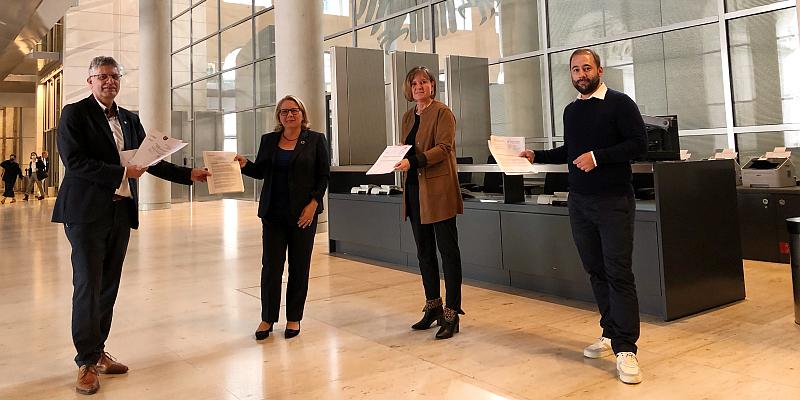 Bereitstellungslager: Resolutionen der Kommunen in Berlin übergeben
