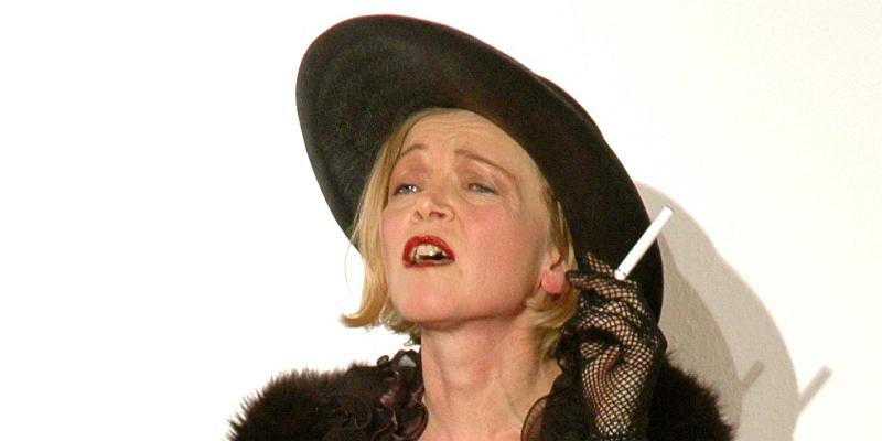 Angebissen! Eine literarisch-musikalische Revue mit Jutta Seifert