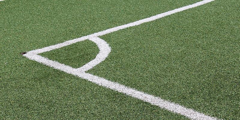Stadt sperrt Sportplatz Albaxen wegen Verdacht auf Dioxin-Belastung