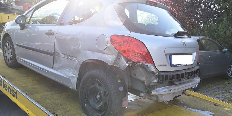 Boffzen: Pkw gerät in den Gegenverkehr: Eine leichtverletzte Person