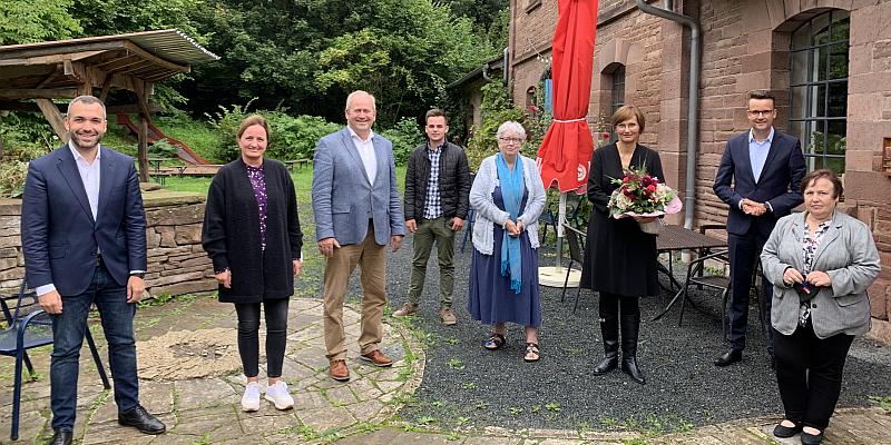 """Bettina Stark-Watzinger (MdB) zu Gast beim Bezirksparteitag der FDP: """"Schulden machen ist zur Staatsraison geworden!"""""""