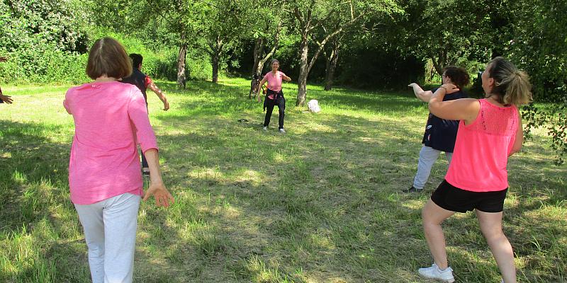 Fitness im Freien: Gesundheitsangebote der Kreisvolkshochschule