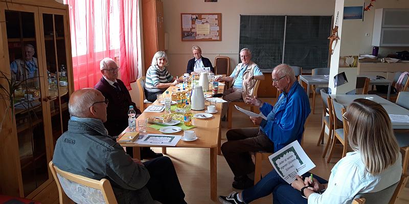 Gesprächsrunde über die Freude und das Glück - Seniorenservicebüro initiiert Gesprächsrunde für bewusstere positive Einstellung