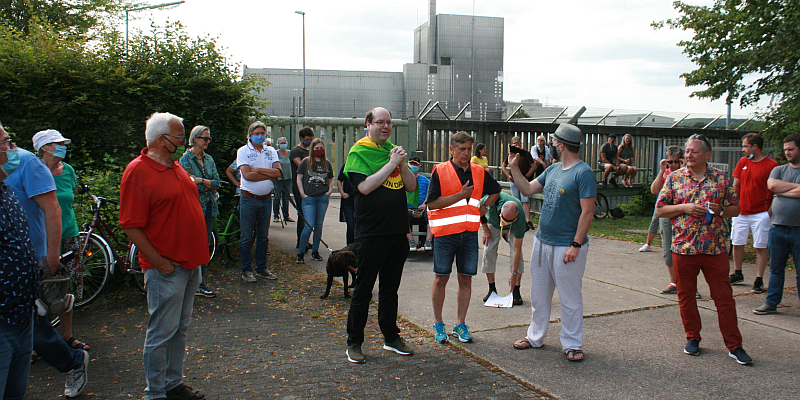 Widerstand gegen Atommüllager zieht weitere Kreise Grüne luden zu Info-Spaziergang in Würgassen – zweite große Protest-Aktion in einer Woche