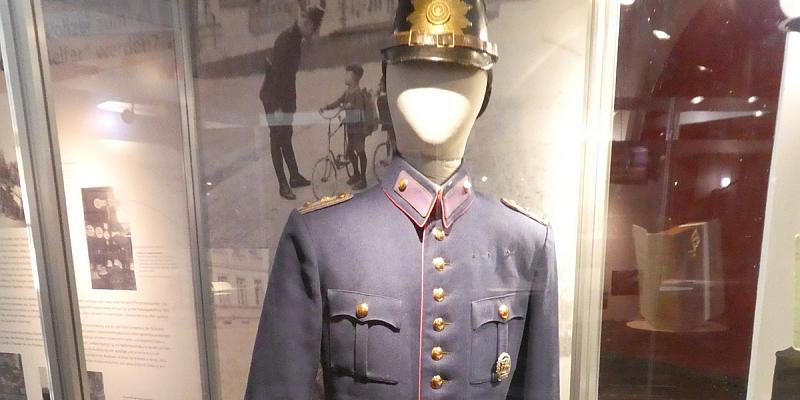 Exponate gesucht: Die Polizeiinspektion Hameln-Pyrmont/Holzminden zeigt eine historische Ausstellung zur Weimarer Republik in Hameln