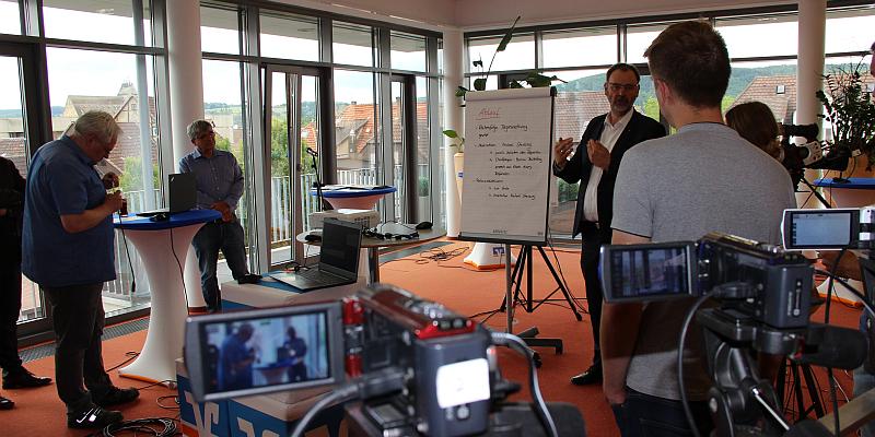 Vorerntegespräch der VR-Bank in Südniedersachsen Innovativ. Modern. Digital - Das Unternehmen bietet seinen Kunden moderne Alternative zur traditionellen Veranstaltung in Dransfeld.