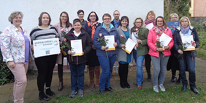 Kinderbetreuung mit neuem Zertifikat: Zehn Tagespflegepersonen beenden anspruchsvolle KVHS-Ausbildung