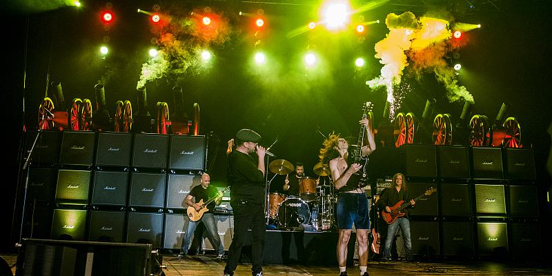 BAROCK bringen AC/DC-Sound in die Stadthalle Beverungen