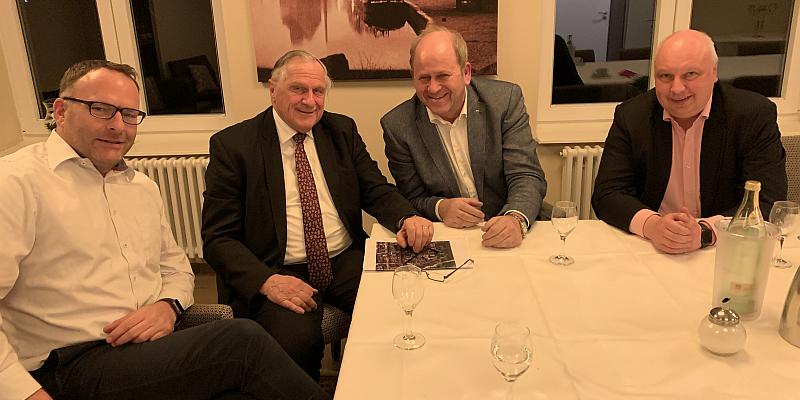 FDP: Der Macher wird nicht müde! Ralf Schwager stellt FDP-Vize Jörg Bode und Hermann Grupe seine Pläne vor