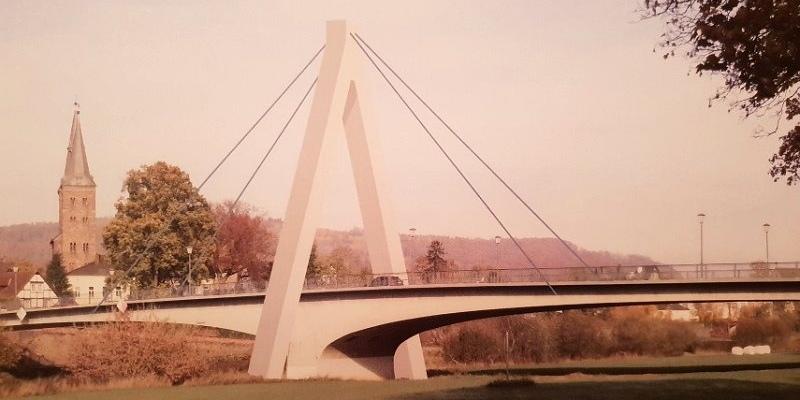Bürger entscheiden mit: 30 Meter hoher Weserbrücken-Pylon ist der Favorit