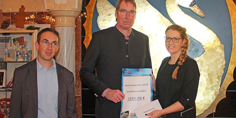 Weser-Therme unterstützt Stiftung Landgraf-Carl-Schule