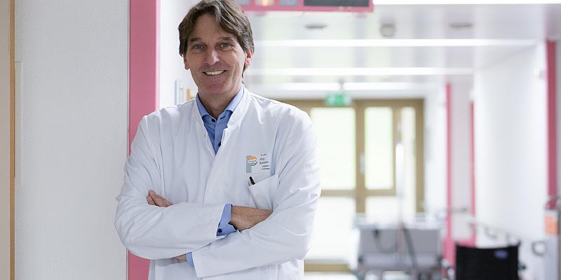 Neuer Chefarzt für die Onkologie: Dr. Jörg Schmitz hat zum 1. Januar die Leitung der Medizinischen Klinik III am St. Ansgar Krankenhaus übernommen