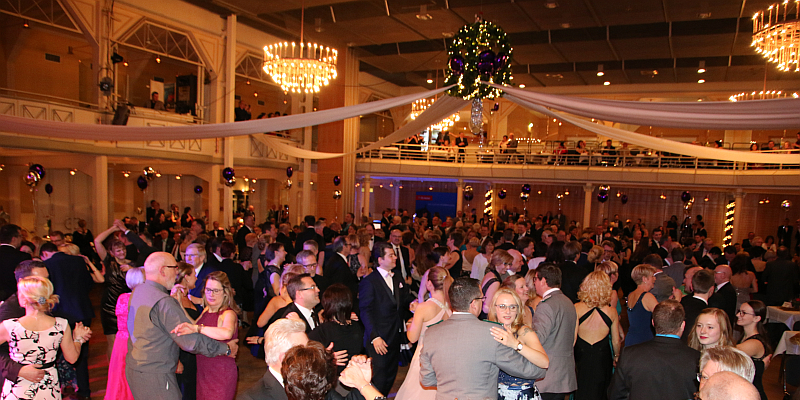 3. Holzmindener Ballnacht lockt mit viel Glamour und tollem Showact am 8. Februar in die Stadthalle Holzminden