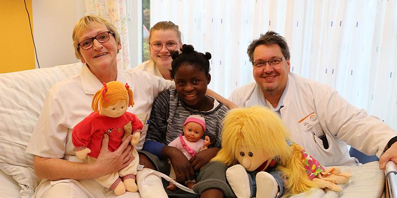 Medizinische Hilfe fernab der Heimat: Die elfjährige Isabella aus Angola wird in Höxter unentgeltlich behandelt