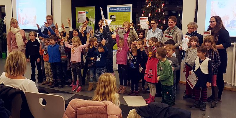 Landkreis Holzminden und Klimaschutzagentur Weserbergland verleihen Klimaschutzpreis 2019