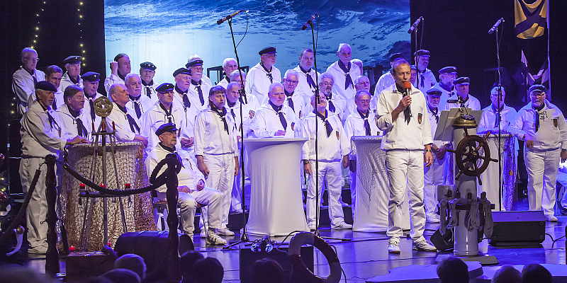 Weihnachtszeit auf den Meeren - Magellan-Shanty-Chor singt in der Stadthalle Beverungen