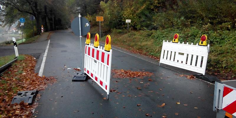 Wenn Gesetze nur für die anderen gelten: Straßensperren im Landkreis werden trotz erheblicher Vorkehrungen immer wieder missachtet