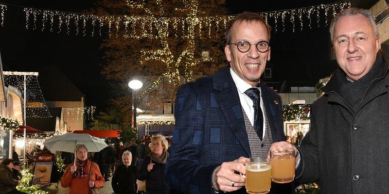 Schönes neues Gesicht: Weihnachtsmarkt in Höxter offiziell für eröffnet erklärt
