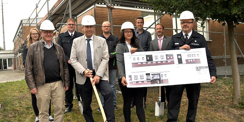 Erster Spatenstich für Um- und Ausbau der Kreisleitstelle in Brakel: Kreis Höxter investiert in Bevölkerungsschutz