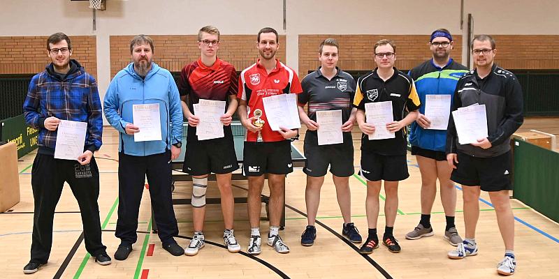 Tischtennis-Kreismeisterschaften in Bodenwerder: Favoriten werden ihrer Rolle gerecht