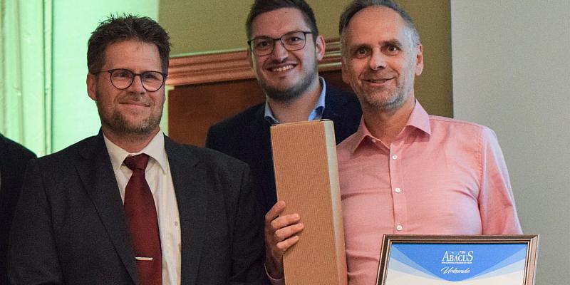 Zwei Auszeichnungen für ABACUS-Nachhilfeinstitut