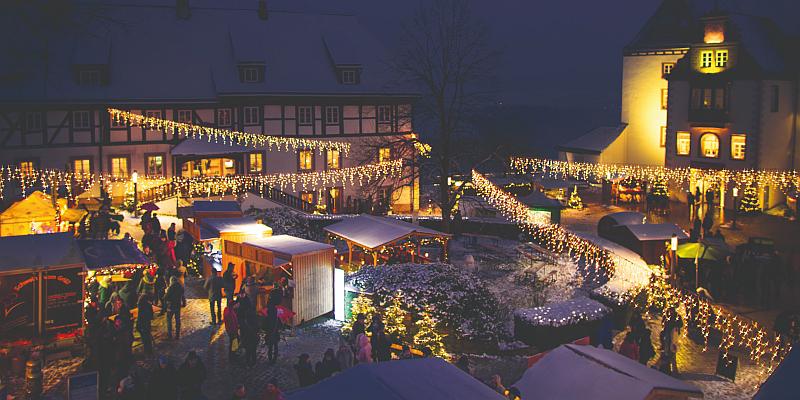 Besinnlicher Markt in historischer Umgebung: Weihnachtsmarkt auf Schloss Fürstenberg