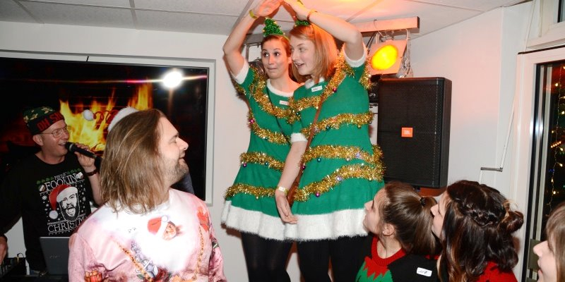 Weihnachten mit DJ Marcus & Markus: zweite Ugly Christmas Sweater Party in Höxter