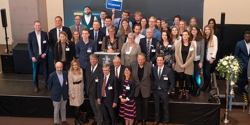 HAWK-Preis und bisherige Höchstzahl von 120 Deutschlandstipendien vergeben
