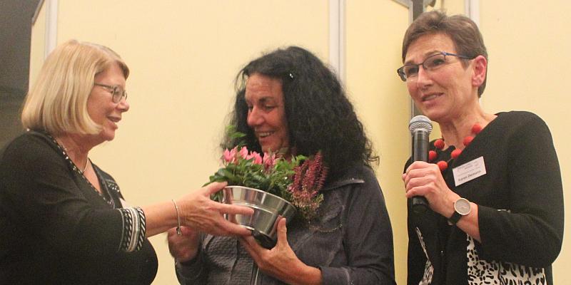 Fachvortrag von Dr. Renate Zimmer berührt die Herzen der Pädagogen