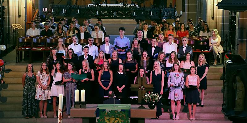 Die PGS verabschiedet sich von 99 Abiturientinnen und Abiturienten