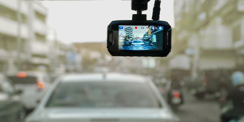 TÜV NORD: Videobeweis – auf dem Rasen und jetzt auch auf der Straße zulässig