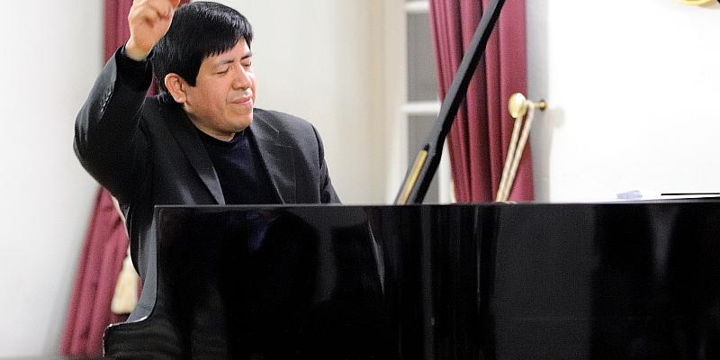 Südamerikanisches Temperament am Konzertflügel: Klaviermatinee mit Vladimir Valdivia im Landgrafensaal